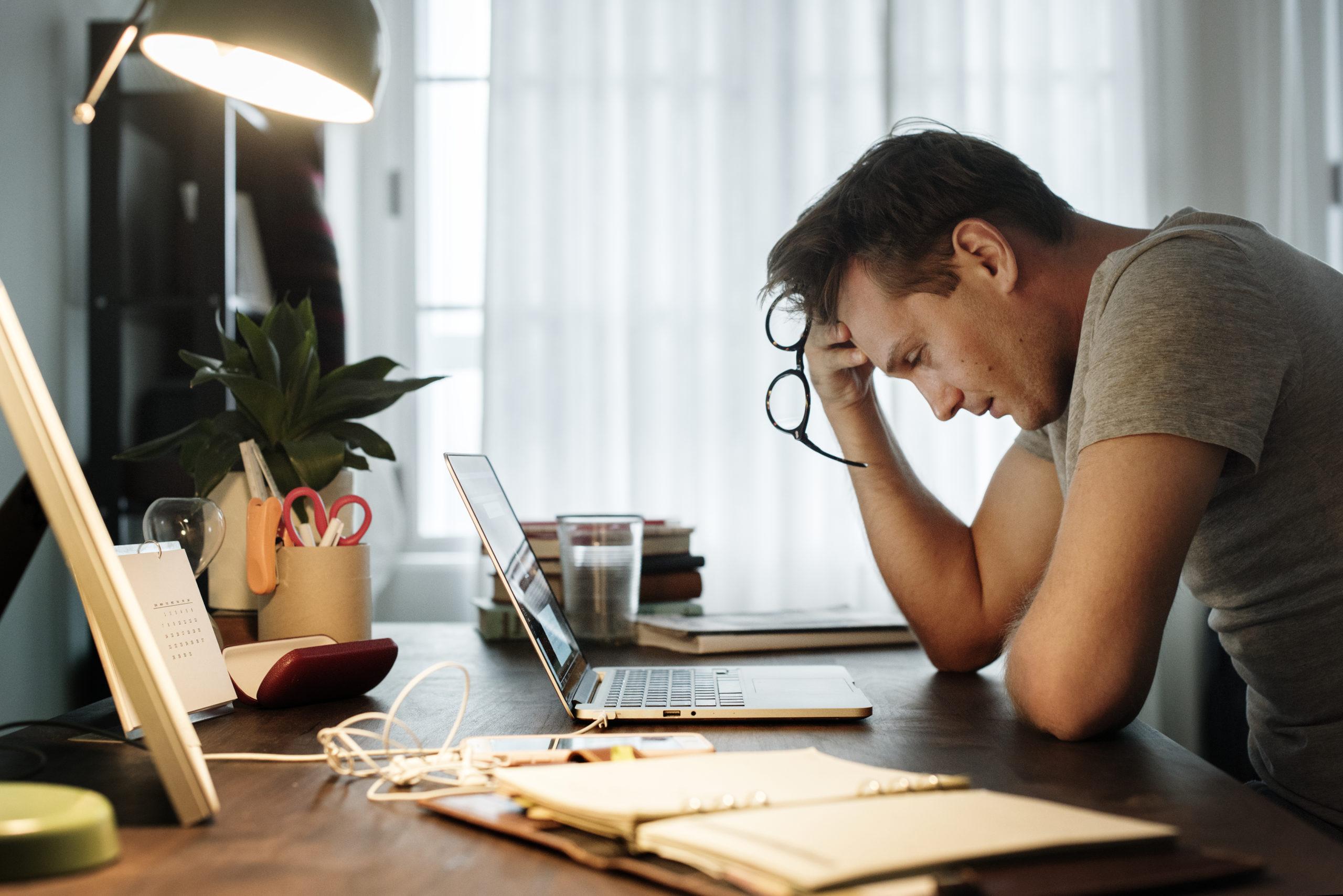 Sabies que els pares també poden patir depressió postpart?